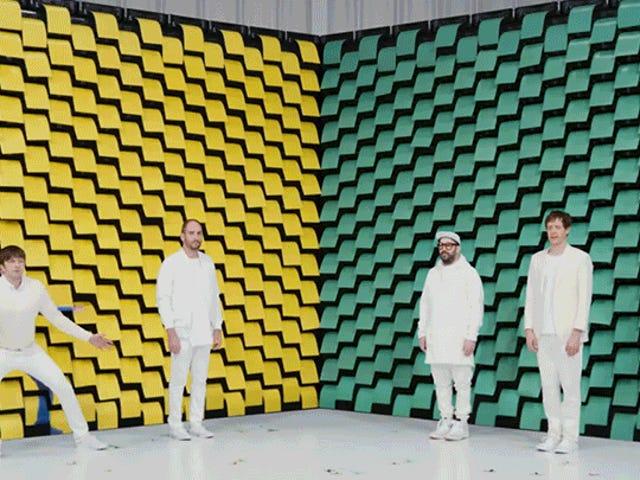 Cientos de impresoras perfectamente coreografiadas son las verdaderas estrellas de este divertido video musical