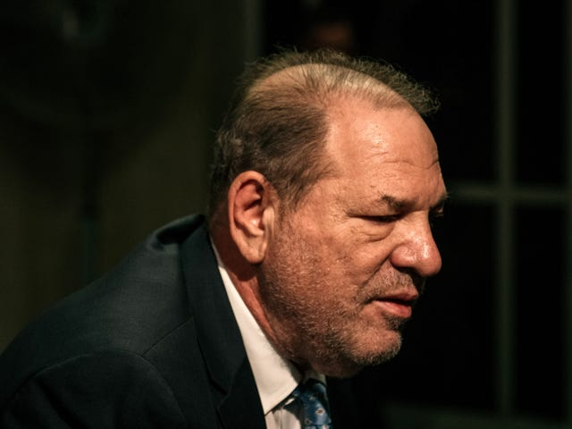 Harvey Weinstein dömd till 23 år, tystnad av Cosby-försvarare och alla som skulle köpa NBC