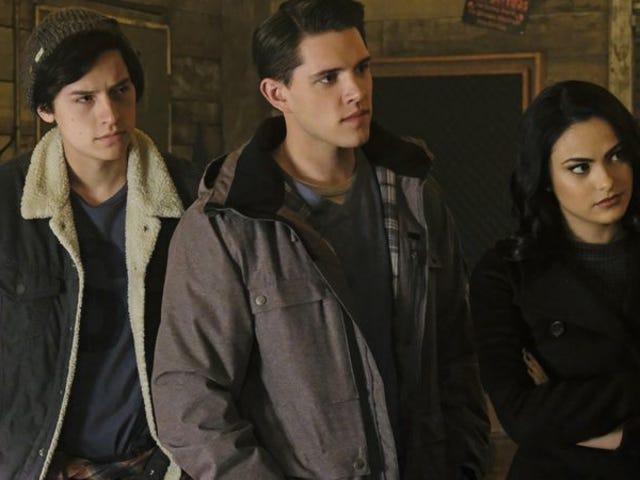 <i>Riverdale</i>揭示了这个杀手,但它仍然没有透露一切