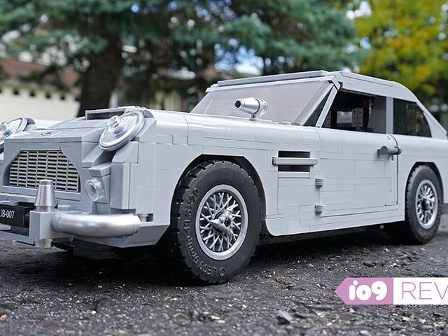 De små tekniska detaljerna gör Lego James Bond Aston Martin en glädje att bygga