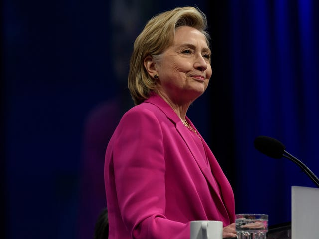 Texas Votes to Drop Hillary Clinton, Helen Keller From Social Studies Curriculum