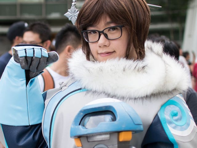 Some A-Mei-zing <i>Overwatch </i>Cosplay