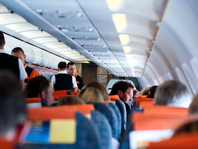Dlaczego zawsze powinieneś skontaktować się ze swoją linią lotniczą podczas ciasnego połączenia