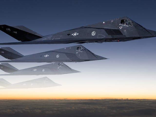 The F-117 Stealth Fighter Program Sebenarnya Memiliki A 'Klingon Cloaking Device'