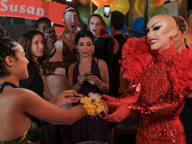 Sasha Velour swings by The Bold Type