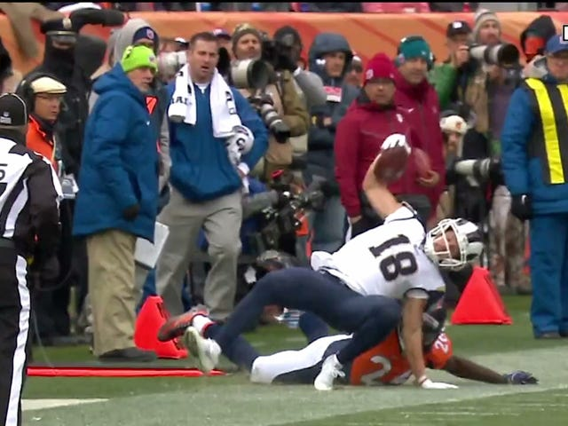 Cooper Kupp Carted Off After Nasty-Looking Knee Injury [Update]