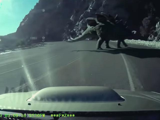 이 새로운 쥬라기 월드 단편 영화에서 공룡이 미국을 차지하는 것을 지켜보십시오