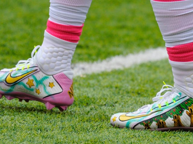 Odell Beckham Jr. Rocks Kirby Cleats In NFL Game