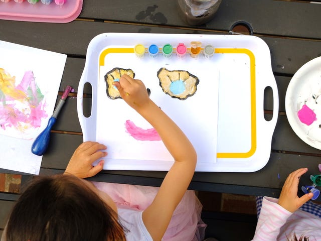 Contain Your Kids' Artistic Mess With a Serving Tray