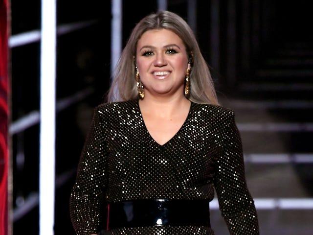Kelly Clarkson รายงานว่า BREAKAWAY จะเข้าสู่ Talk Show ในเวลากลางวัน
