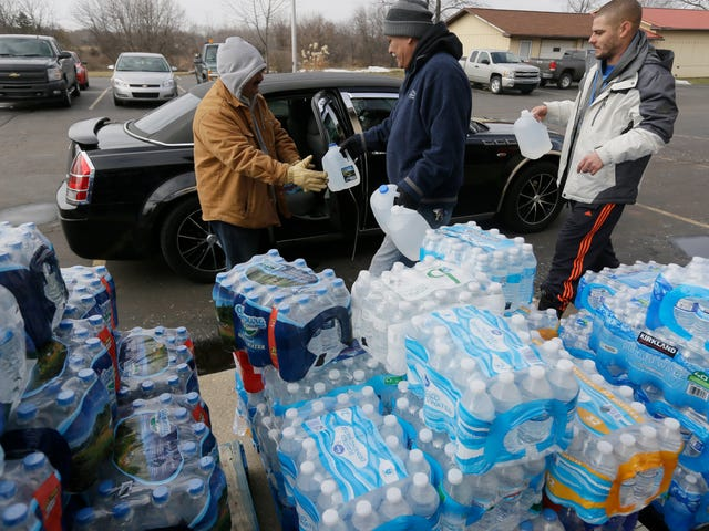 Flint's Drinking Water Is Getting Safer, But the Crisis Isn't Over