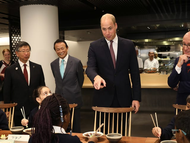 Prince William Accidentally Calls Japanese Food Chinese, Probably Because He Only Eat Beans