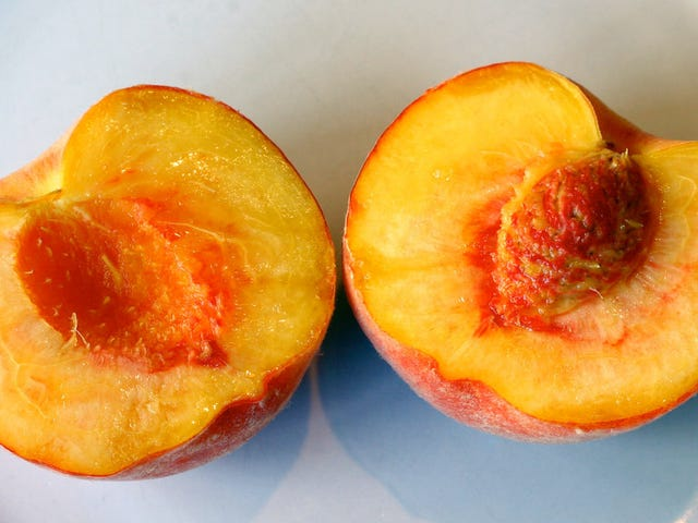How to Pit a Peach