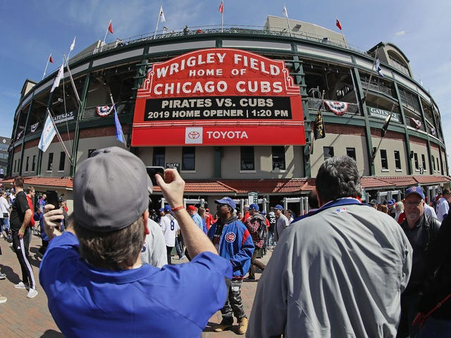 """Cubs Remove Historic """"No Women Admitted"""" Sign From Press Box One Day After Putting It Up"""