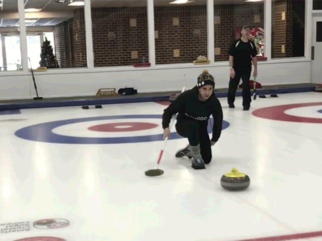 Je suis allé au curling et pas même la physique pourrait me sauver