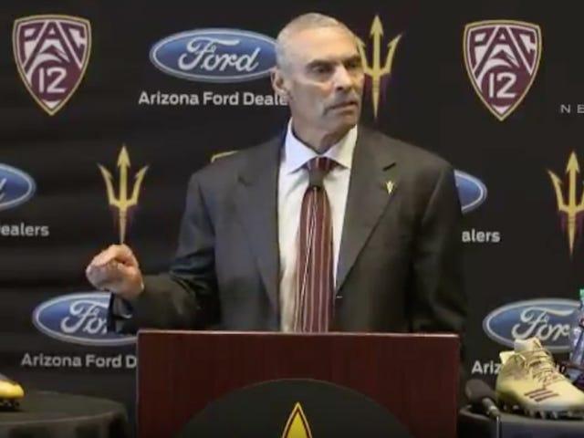 Le nouvel entraîneur de l'Arizona, Herm Edwards, a eu une première conférence de presse bizarre