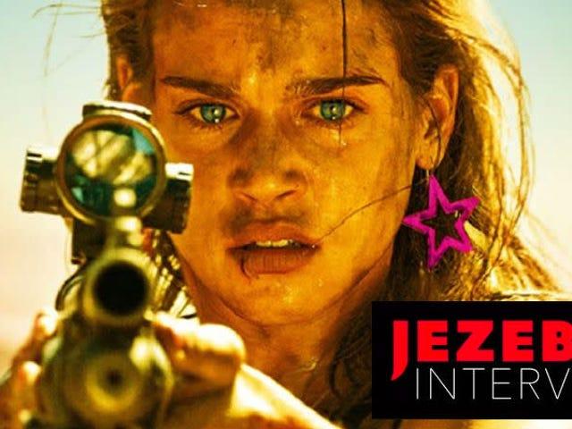 <i>Revenge</i> Director Корали Фарджеат о том, как играть в клише и художественную силу крови