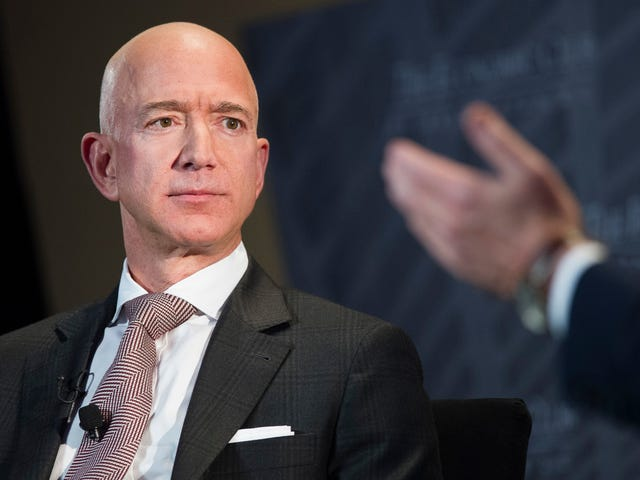 Report: National Enquirer Publisher Paid Jeff Bezos's Lover's Brother $200,000 for Bezos Dick Pics