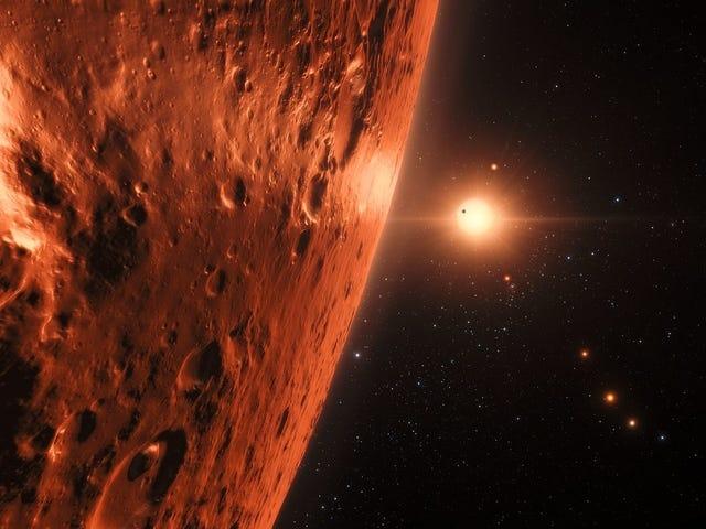 Hubble Gözlemleri Dışarıdaki TRAPPIST-1 Gezegenleri Üzerinde Su Bol Olabilir Öner