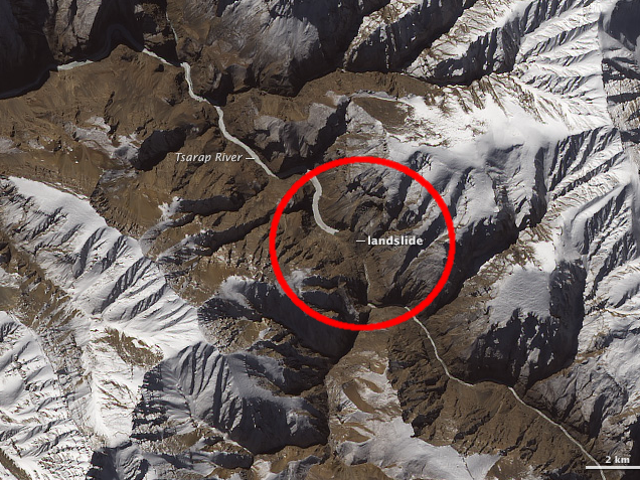 Цей гігантський зсув у Північній Індії може бути видно з космосу