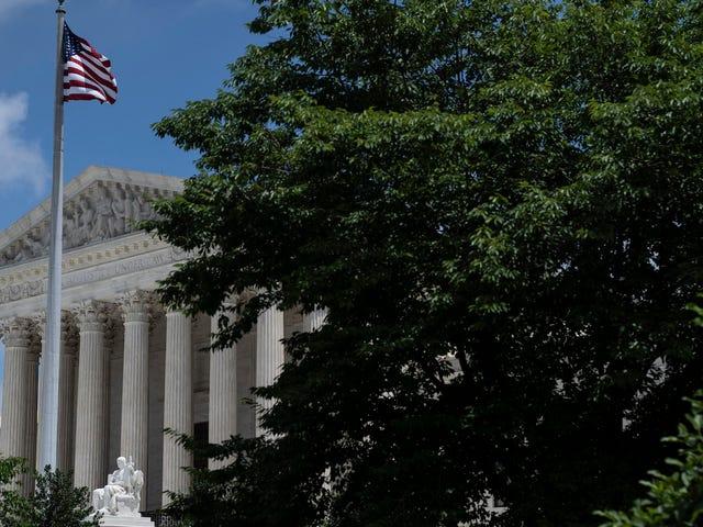 """Після останнього удару по правах голосу, суддя Сотомайор попереджає про """"серйозні витрати нашої демократії"""""""