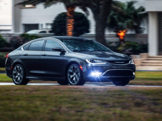 Qui devrait construire les prochaines Chrysler 200 et Dodge Dart?