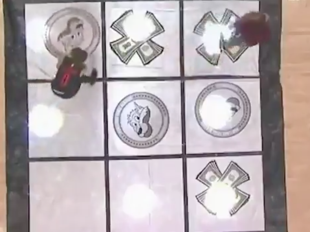 Blazers Fans Play An Infuriatingly Bad Game Of Tic-tac-toe