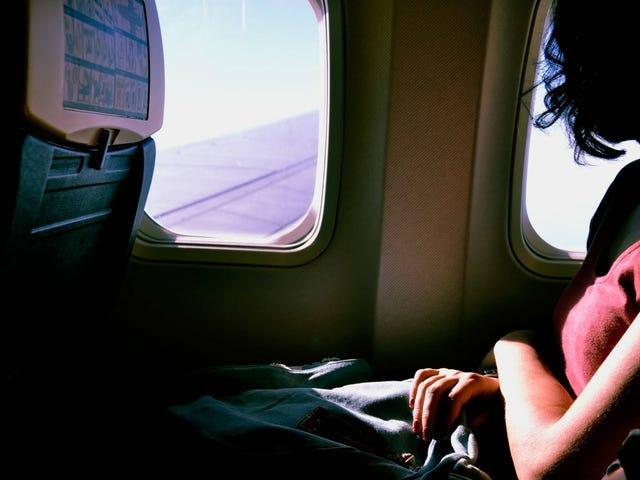 Wie Sie helfen können, wenn jemand auf Ihrem Flug eine Panikattacke erleidet