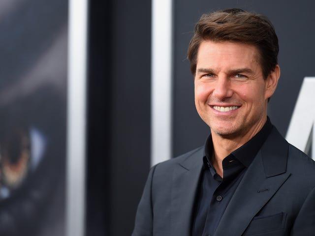 Các gia đình phi công thiệt mạng trong tai nạn máy bay của <i>American Made</i> đã đổ lỗi cho Tom Cruise