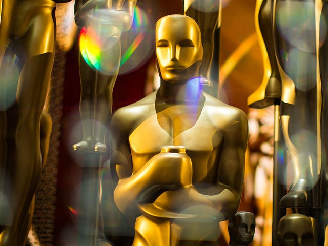 Hollywood Is Pissed the Oscars Will Hand Out Awards During Commercials