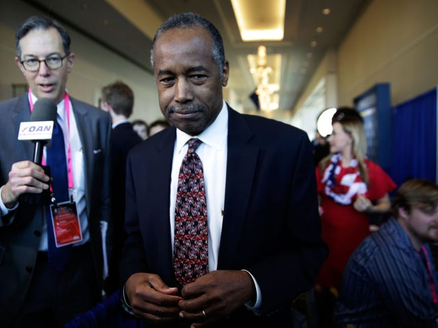 Ben Carson Keeps Busy Doing Nothing All Day, Leaves Early, and Lunches With the Author of Chicken Soup for the Soul