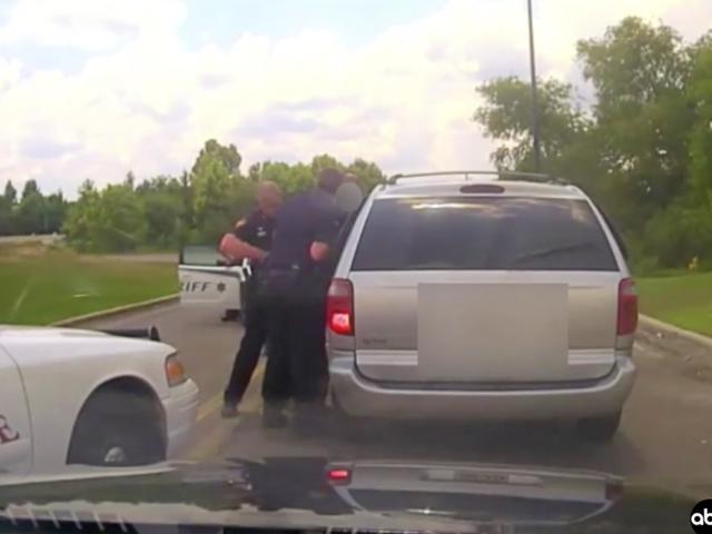 Mississippi Cop Caught on Video Using Stun Gun on Handcuffed Shoplifting Suspect