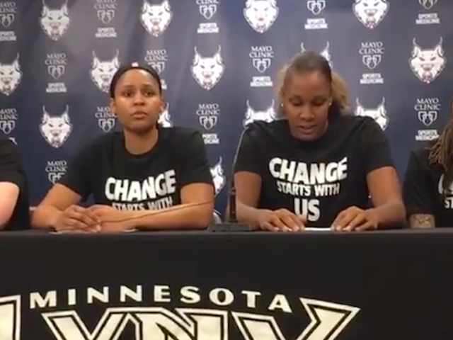 "Police Walk Off Court vastaus WNBA: n ""Black Lives Matter"" - paidoihin"