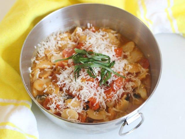 Sätt pasta-toppningar på dina bönor