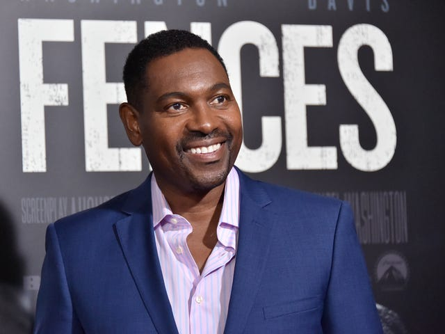 Mykelti Williamson on Fences, Acting While Black and the Power of the Mind