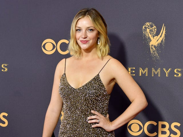 Comedy Central orders new talk show comedy pilot fromReductress and Abby Elliott