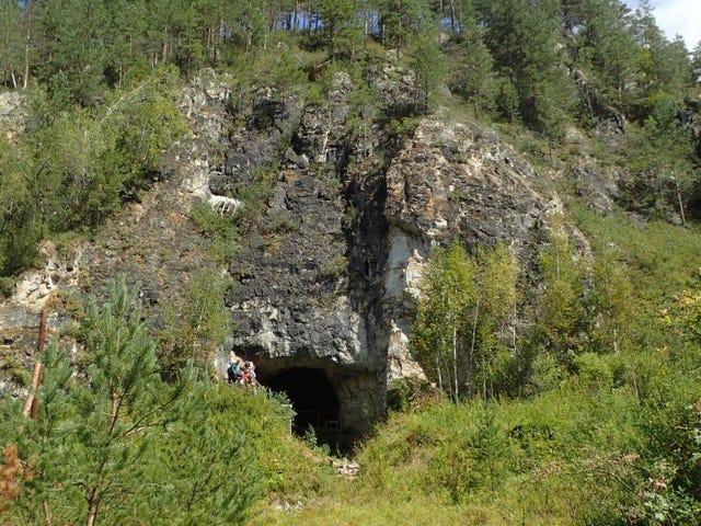 Οι Νεάντερταλ και οι Ντενισοβάνς έχουν μοιράσει ένα σιβηρικό σπήλαιο για χιλιάδες χρόνια, σύμφωνα με νέα έρευνα