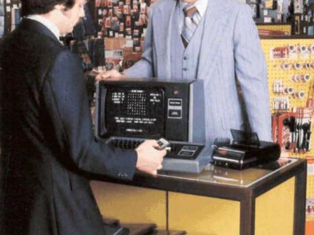 Nibby odwiedza sklep komputerowy