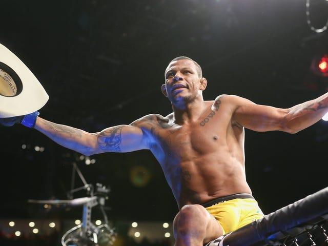 El peso welter de UFC Alex Oliveira estallado por granada en la víspera de Navidad, está bien