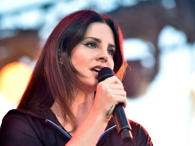 Lana Del Rey Says She's Been Working On a Musical