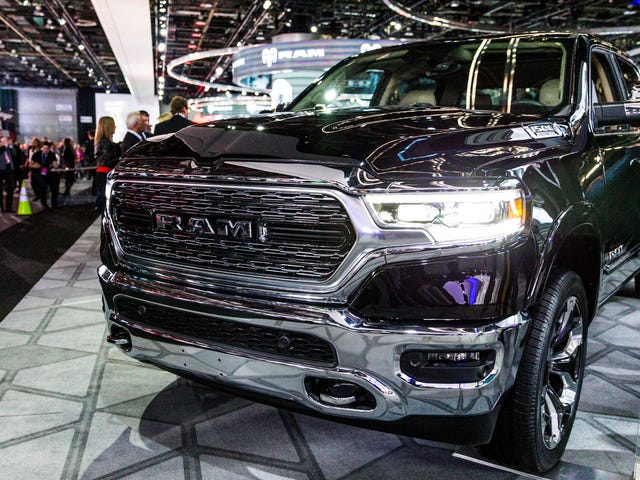 The 2019 Ram 1500 Gets Hybrid Tech And An Insane 12-Inch Touchscreen