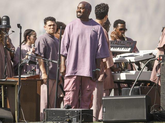 """Prix Yeezus: Kanye facture 255 $ pour des sweats à capuche """"Saint-Esprit"""" et 50 $ pour les chaussettes """"Jesus Walks"""""""