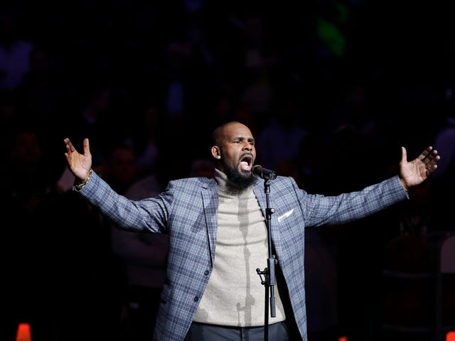 Underage Threesomes, Hush Payments, at Other Revelations mula sa 2nd Night of <i>Surviving R. Kelly</i> <em></em>