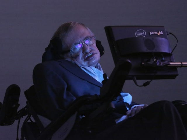Stephen Hawking: New Planet Must Be Colonized within 1000 Years for Humanity to Avoid Extinction