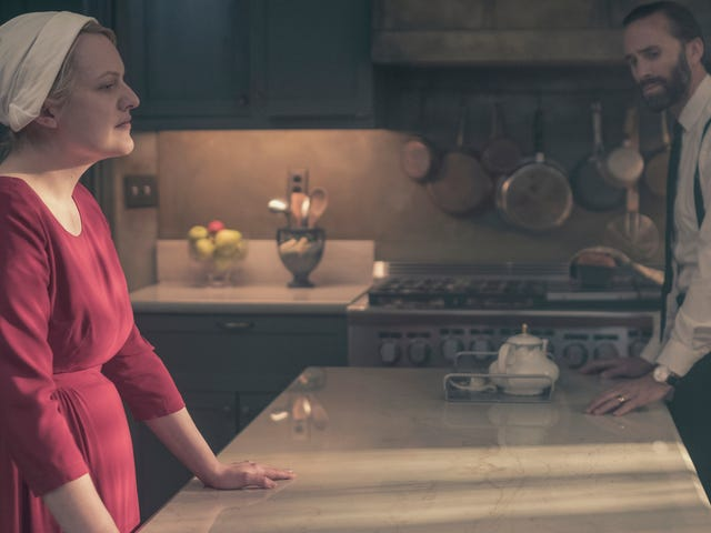 The All-Female Republic of io9 DiscussesThe Handmaid's Tale Season Finale