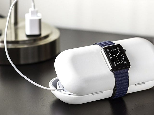 Manage Your Awkward Apple Watch Charging Cable on the Road With the Twelve South TimePorter