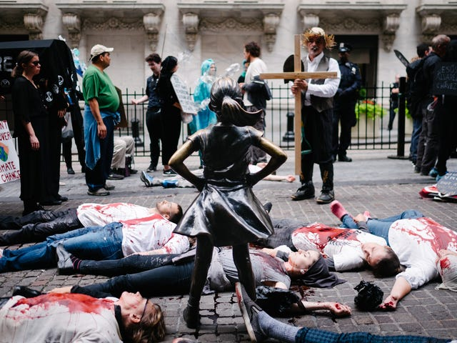 'We're Here': Extinction Rebellion Bloodies New York as Part of Global Week of Protests