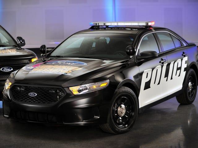 Ford нагадує про тонну поліцейських машин для потенціалу, щоб зупинитися випадково