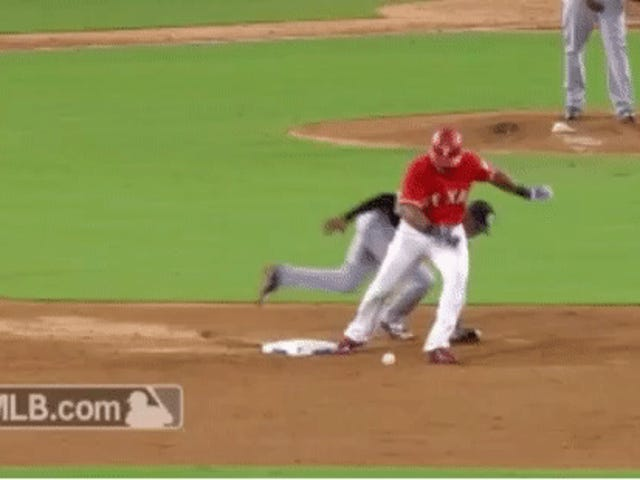 Adrián Beltré Once Again Makes Dull Baseball Activity Fun, Uses Botched Pickoff Attempt For Nifty Spin Move
