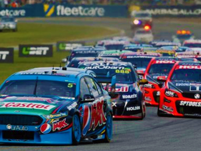 La direction de la V8 Supercar examinera le format Super Sprint.